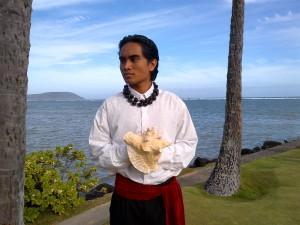 Hawaiian Conch Shell Blower in Formal Attire